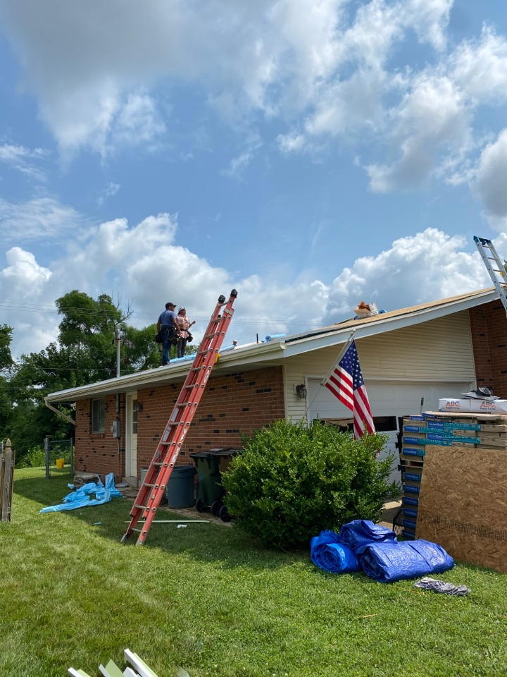 Kettering, OH - Full roof replacement using CertainTeed Landmark shingles in Kettering, Ohio.