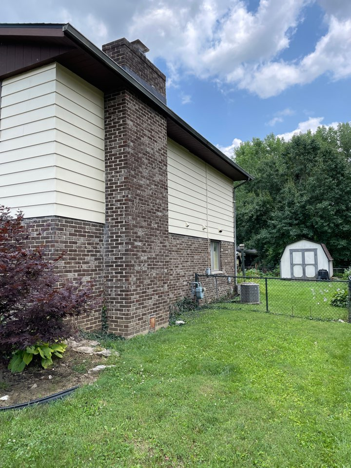 Fairborn, OH - Seamless gutter replacement in Fairborn, Ohio.