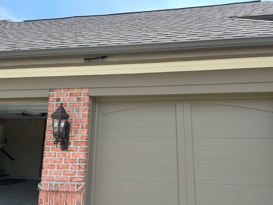 Springboro, OH - Free estimate to replace leaking gutters in Springboro, Ohio.