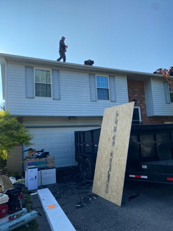 Vandalia, OH - Full roof replacement using CertainTeed Landmark Pro shingles in Vandalia, Ohio.