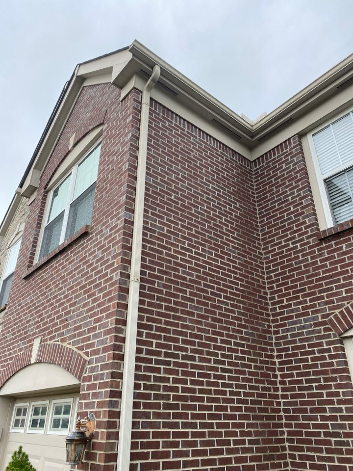 Miamisburg, OH - Gutter cleaning in Miamisburg, Ohio.