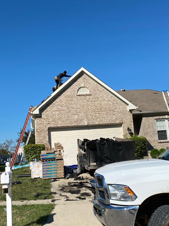 Springboro, OH - Full roof replacement using CertainTeed Landmark shingles in Springboro, Ohio.
