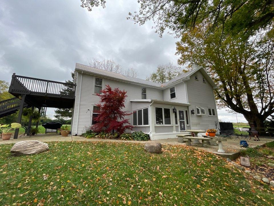 Springboro, OH - Free estimate to repair a leaking metal roof in Springboro, Ohio.
