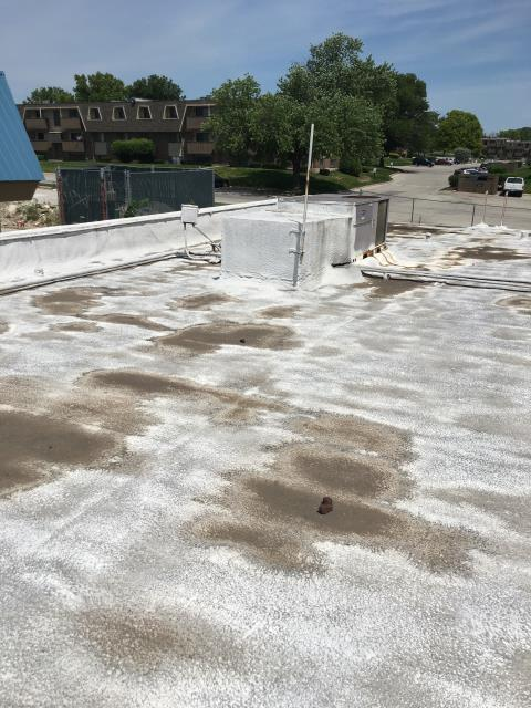 Kansas City, KS - Silicone roof coating before picture