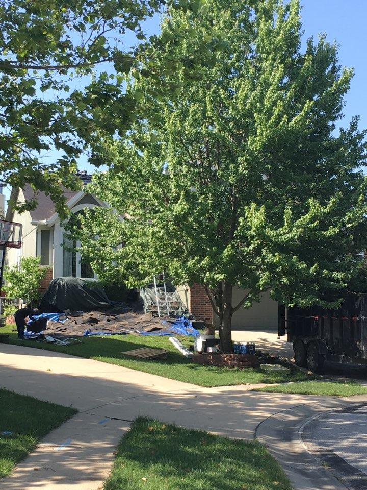 Shawnee, KS - Starting a new roof install in Shawnee Kansas