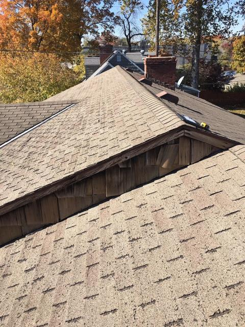 Prairie Village, KS - Roof replacement. Old worn out 3-tab shingle.