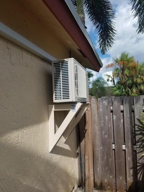 Pompano Beach, FL - Mini Split install, wall-mounted condenser For Garage A/C in Pompano beach