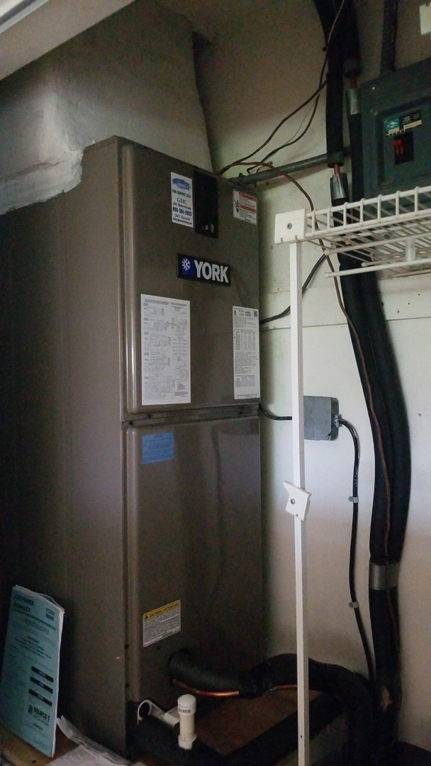 Lighthouse Point, FL - Our experienced installation team replaced this customer's old system with a brand new YORK 3 air conditioning system. Customer is ready for the summer heat and will not need ac repair anytime soon.