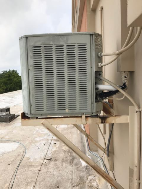 Hollywood, FL - During this commercial call in Hollywood, we arrived to a system not cooling. This system is 25 year old and in need of major repair. Instead of suggesting costly repairs that might not hold up, we recommend replacing the system.