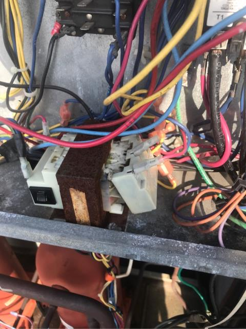 Lauderdale Lakes, FL - We arrived to this commercial customer's facility to address a system that was not cooling properly. After checking the system, we discovered that the ac repair needed was due to a blown transformer.