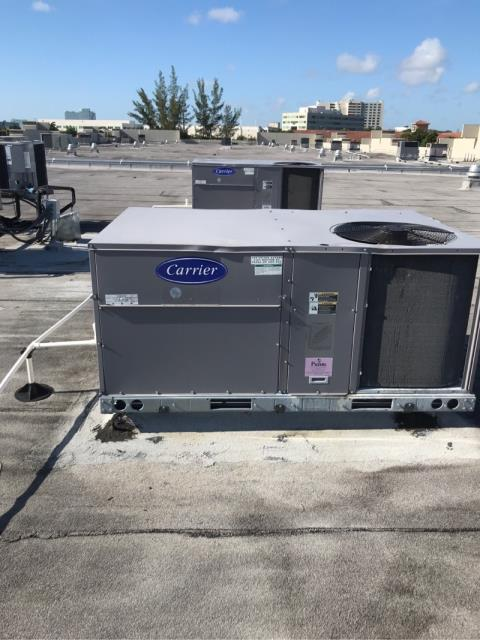 For this commercial customer in Pompano Beach, we  arrived to perform the schedule maintenance tailored to the needs of their fleet of Carrier systems. These customized AC maintenance plans