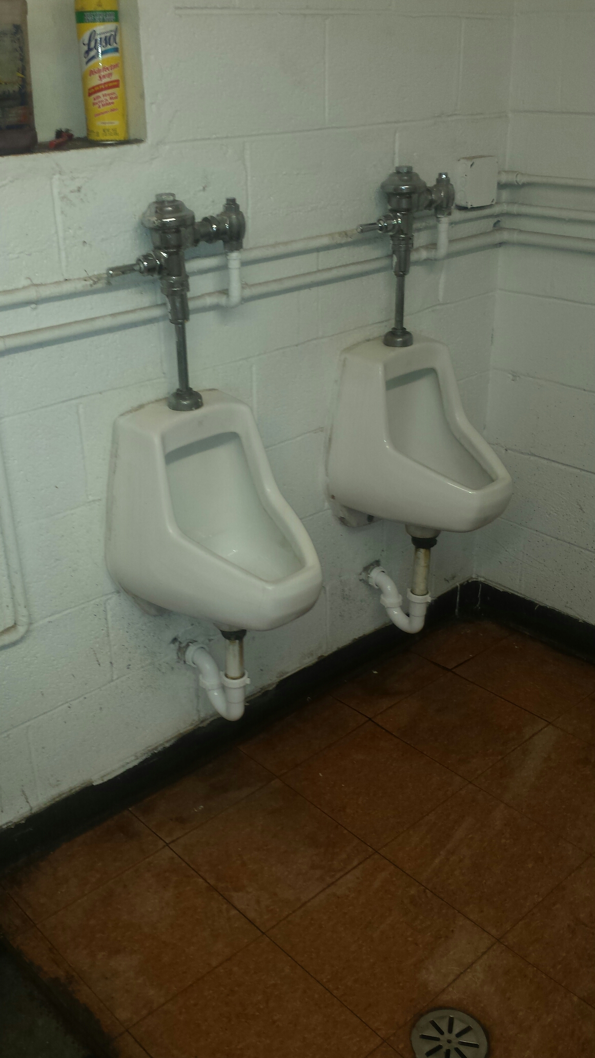Melvindale, MI - Snaked urinal drains in commercial building