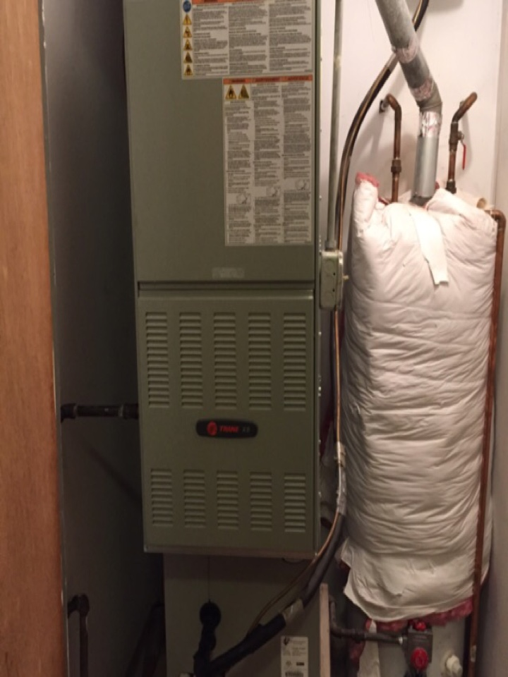 Lincolnwood, IL - Performing a winter tune-up on Trane 80% down flow furnace.