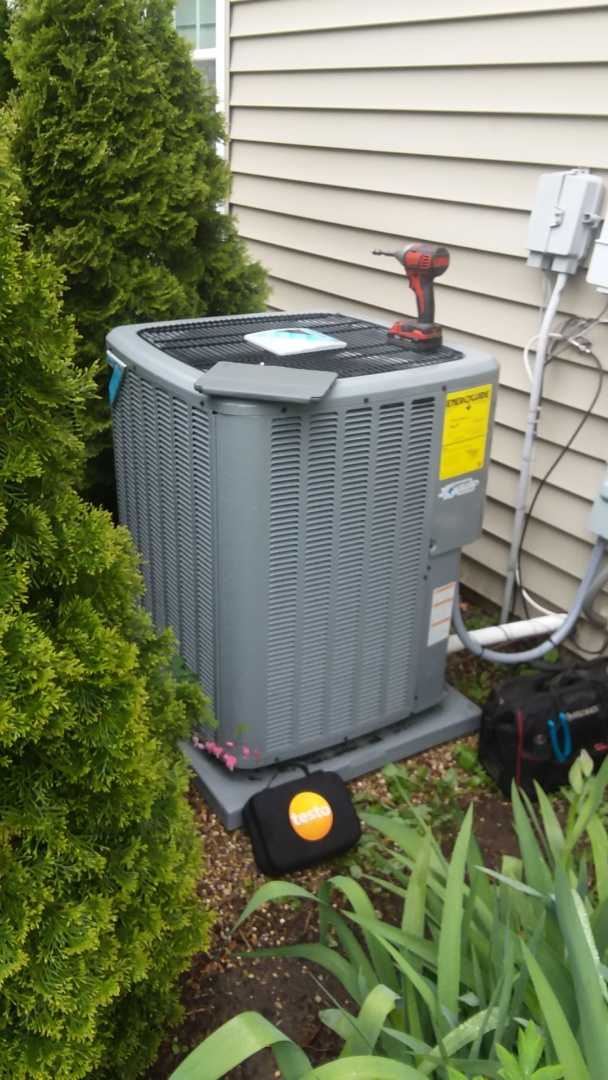 Rolling Meadows, IL - Cleaning check Daikin air conditioner