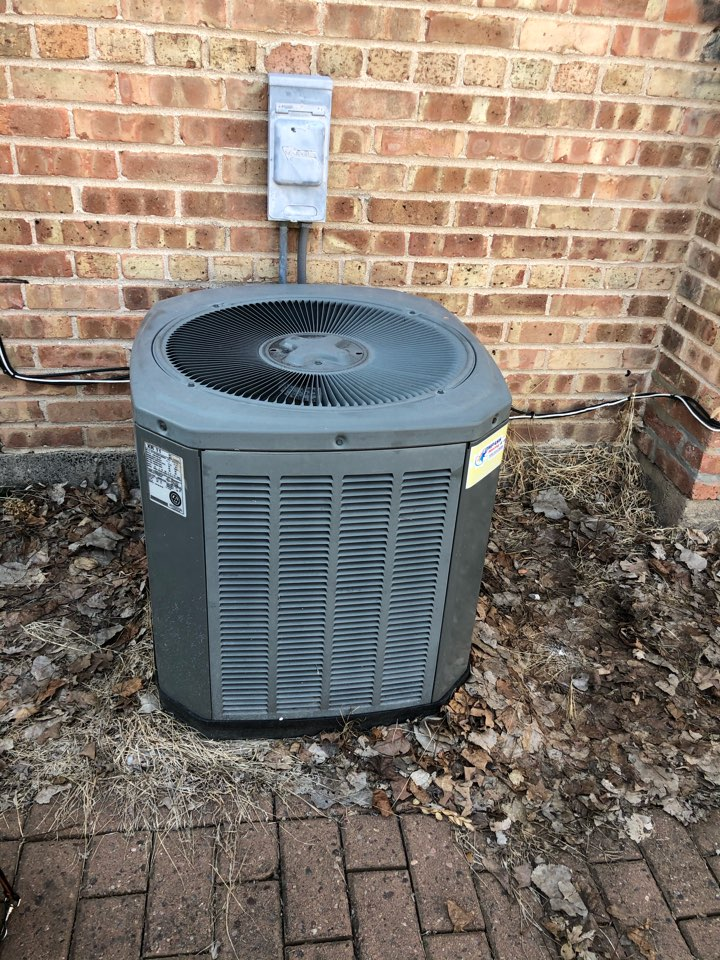 Arlington Heights, IL - Repairing a Trane air conditioner in Arlington Heights, IL 60004