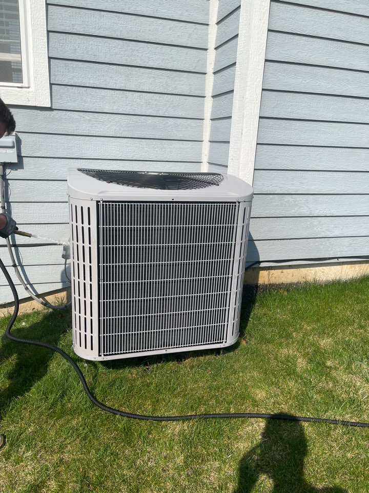 Elgin, IL - AC cleaning and had to add refrigerant