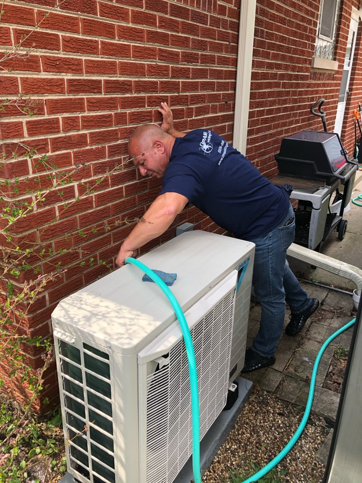 Arlington Heights, IL - Performing an AC clean and check on a Daikin FIT heat pump, in Arlington Heights, IL 60005.