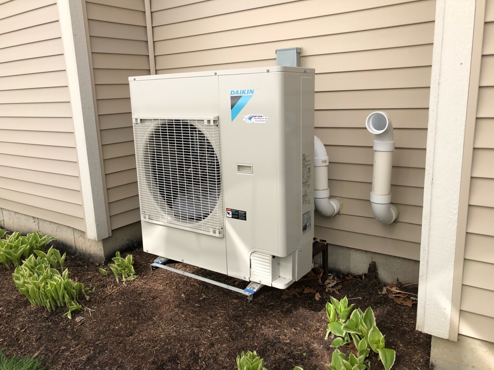 Hoffman Estates, IL - Performing a post AC and furnace installation follow up inspection and testing, in Hoffman Estates, IL 60192