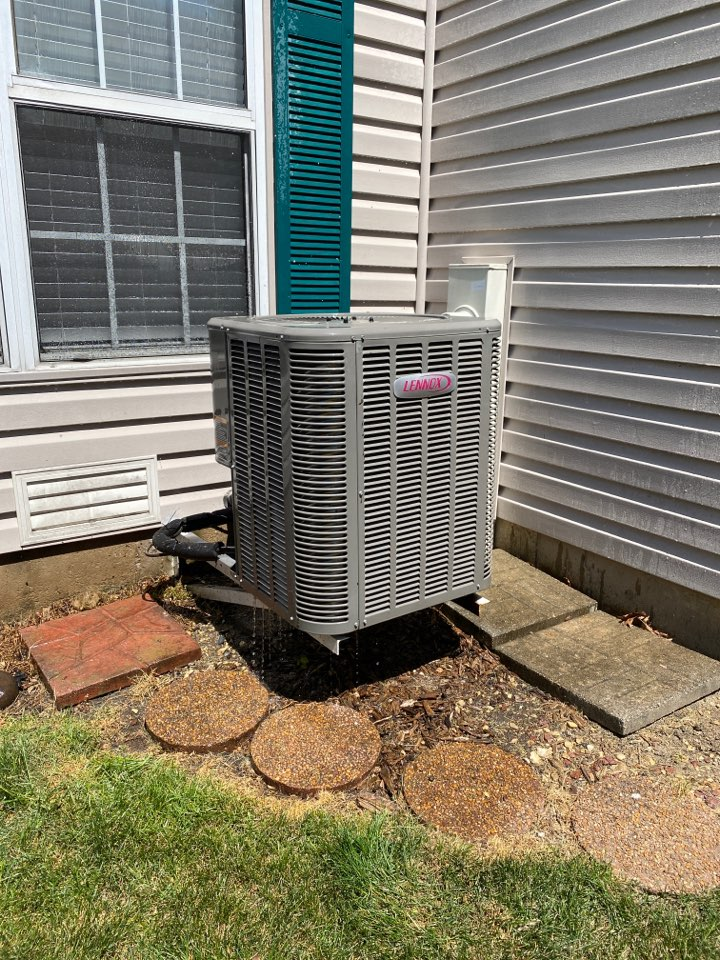 Streamwood, IL - Air conditioning clean and check on a Lennox unit.