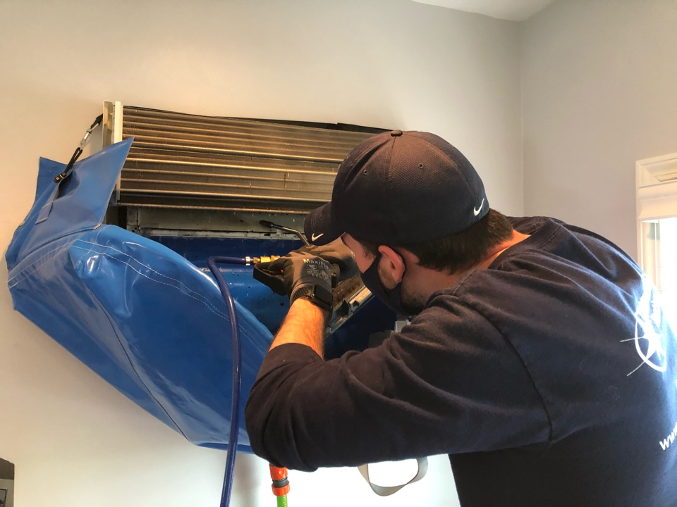 Deep cleaning a ductless Mitsubishi wall unit w/ Hydro Kleen system, in Oak Park, IL 60302
