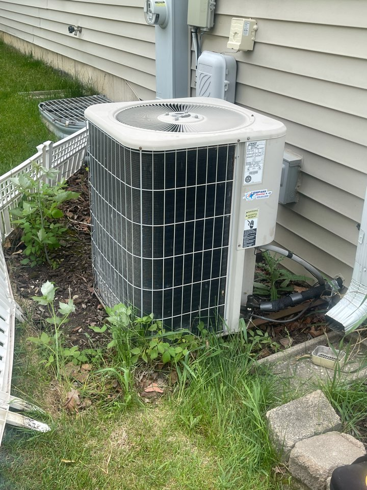Algonquin, IL - AC cleaning
