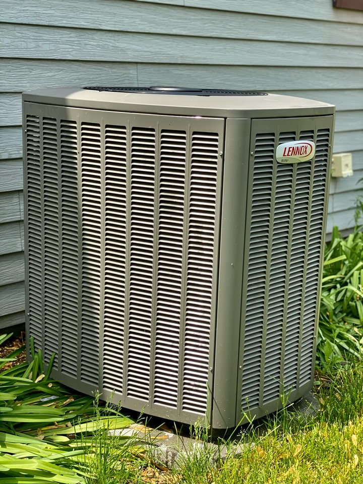 Rolling Meadows, IL - Air conditioning clean and check on a Lenox unit
