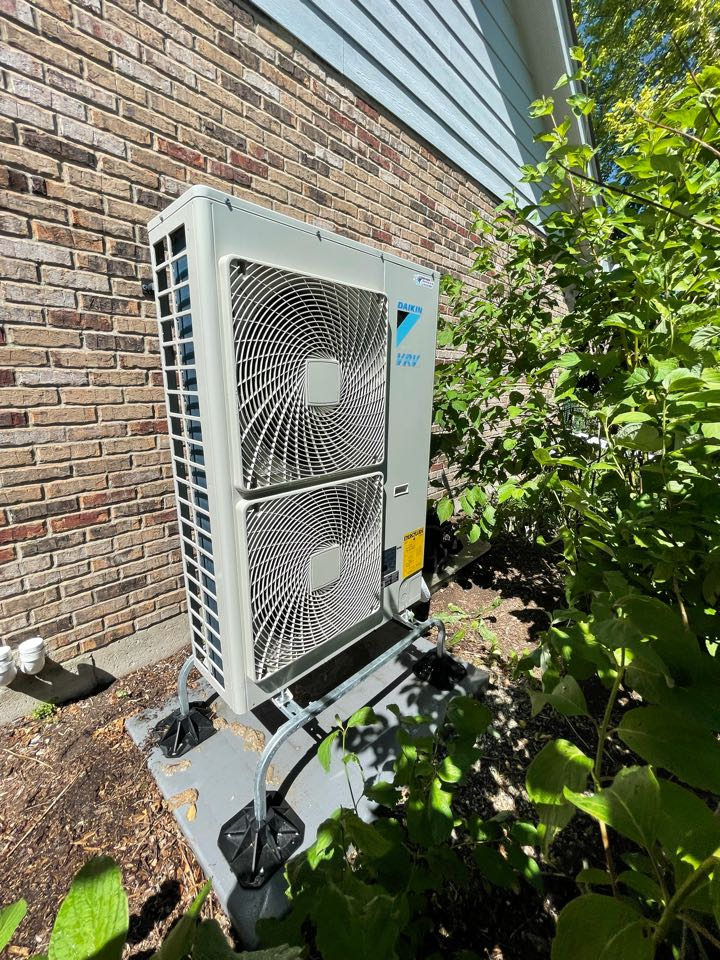 St. Charles, IL - Cleaning on a Daikin VRV system