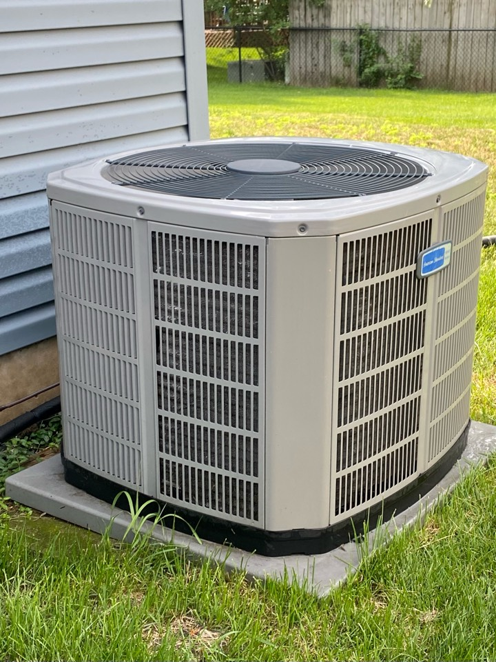 Hoffman Estates, IL - Air conditioning clean and check on an American Standard unit