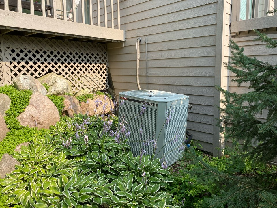 Providing an estimate to replace an old heat pump with a new Daikin FIT heat pump and variable speed air handler, in Lake Barrington, IL 60010 #electricheat