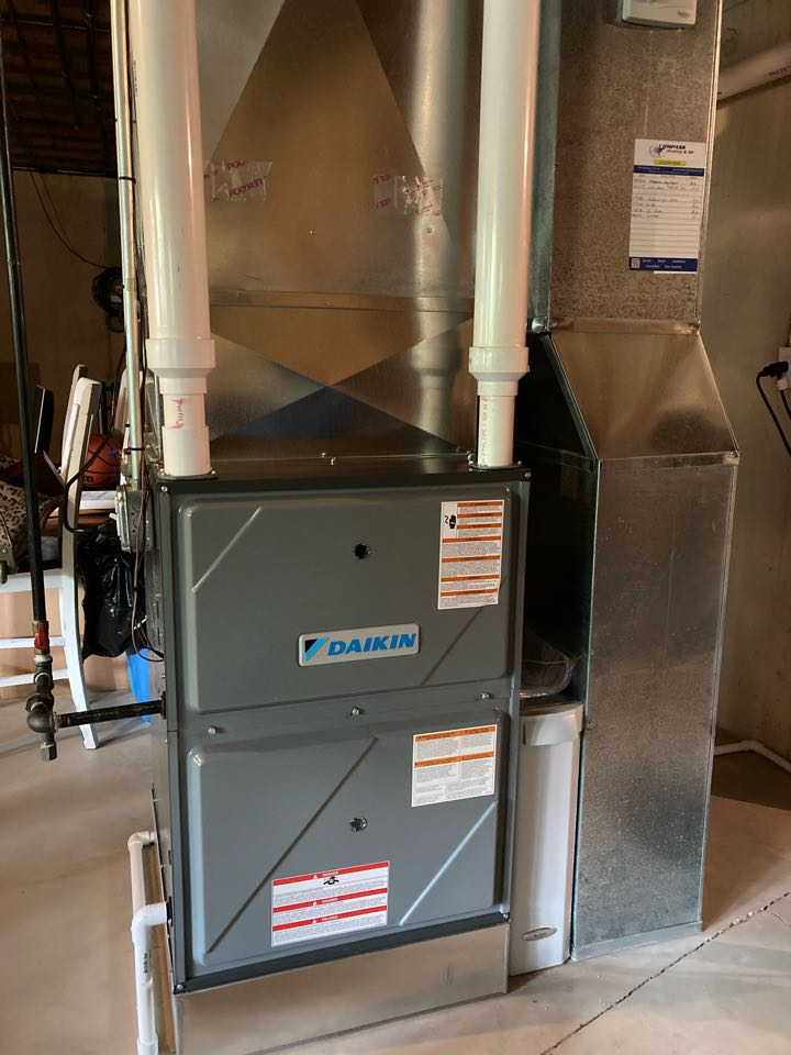 West Dundee, IL - Furnace clean and check on a Daikin unit.