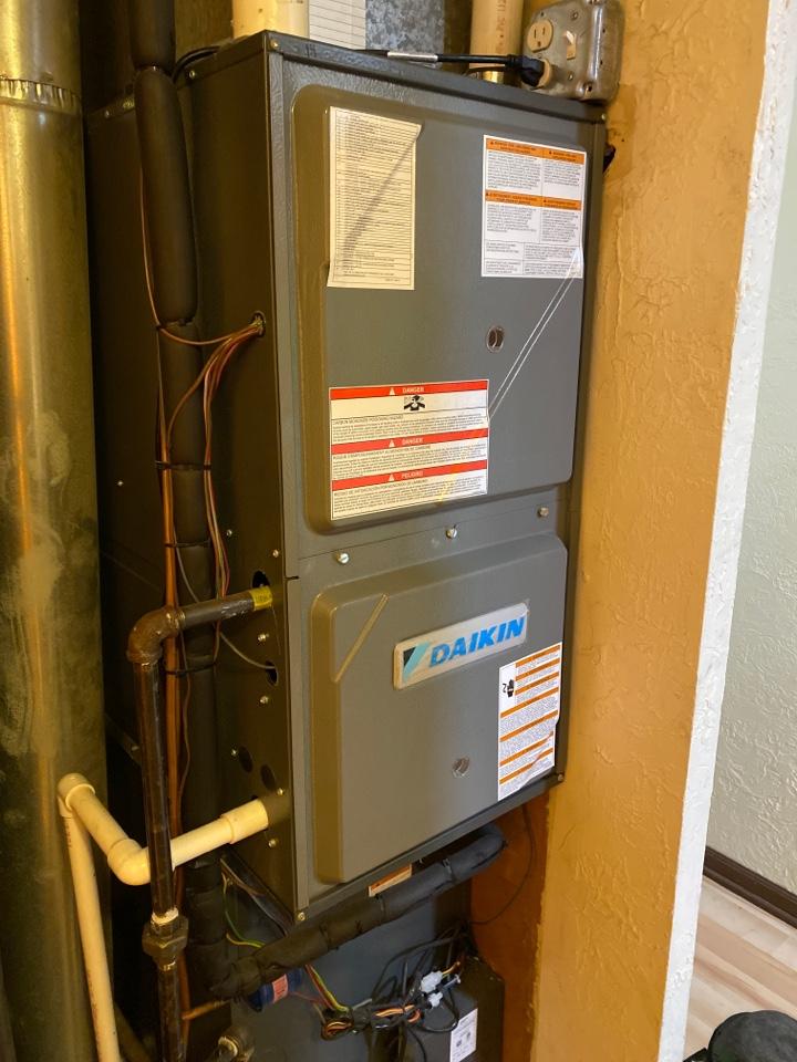 Maintenance on a Daikin modulating furnace