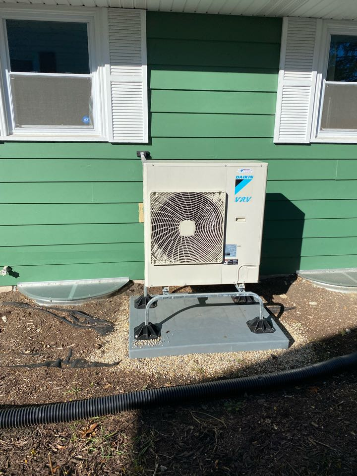 Lombard, IL - Performing a start up after installation of a Daikin VRV Life heat pump, in Lombard, IL 60148