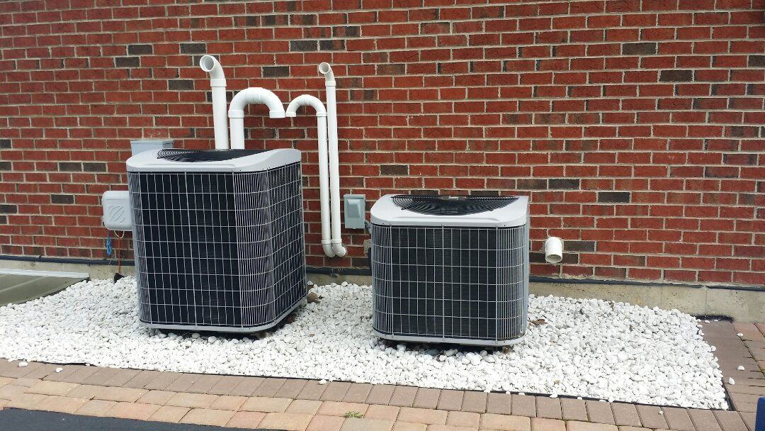 South Barrington, IL - Performing annual maintenance on two Carrier air conditioning units in South Barrington, IL