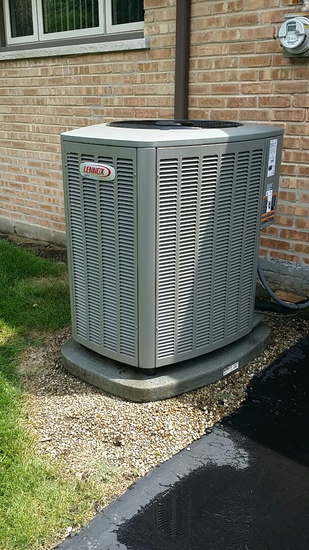 Performing annual maintenance on a Lennox XC14 and SL280 with an iComfort thermostat in Wheeling , IL 60090