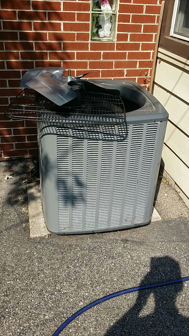 Rolling Meadows, IL - Cleaning check Amana air conditioner Rolling Meadows