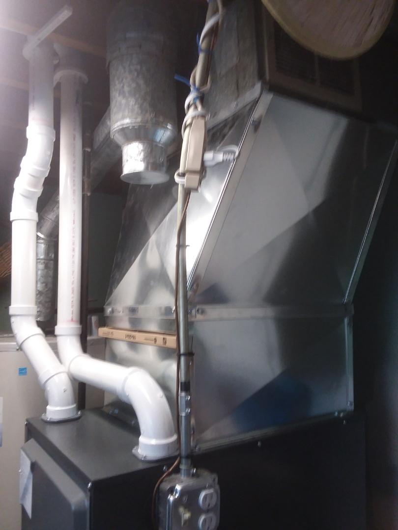 Hoffman Estates, IL - New 90% down flow Amana furnace