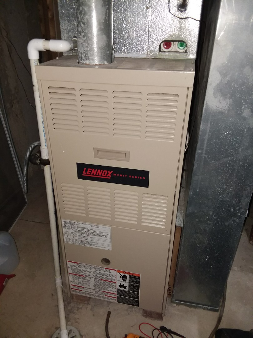 Algonquin, IL - No heat  Lennox furnace G40 80%  near Algonquin Compass Heating And Air