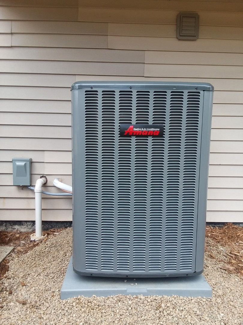 Carol Stream, IL - Installing a new Amana 16seer air conditioning in Carol Stream