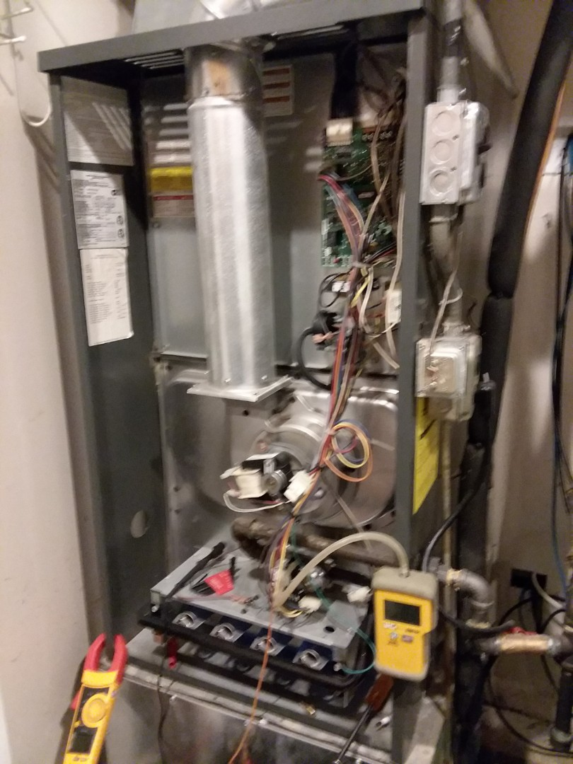 Schaumburg, IL - No heat  Amana DownFlo  2 stage Variable speed  Near Woodfield Mall Compass Heating And Air