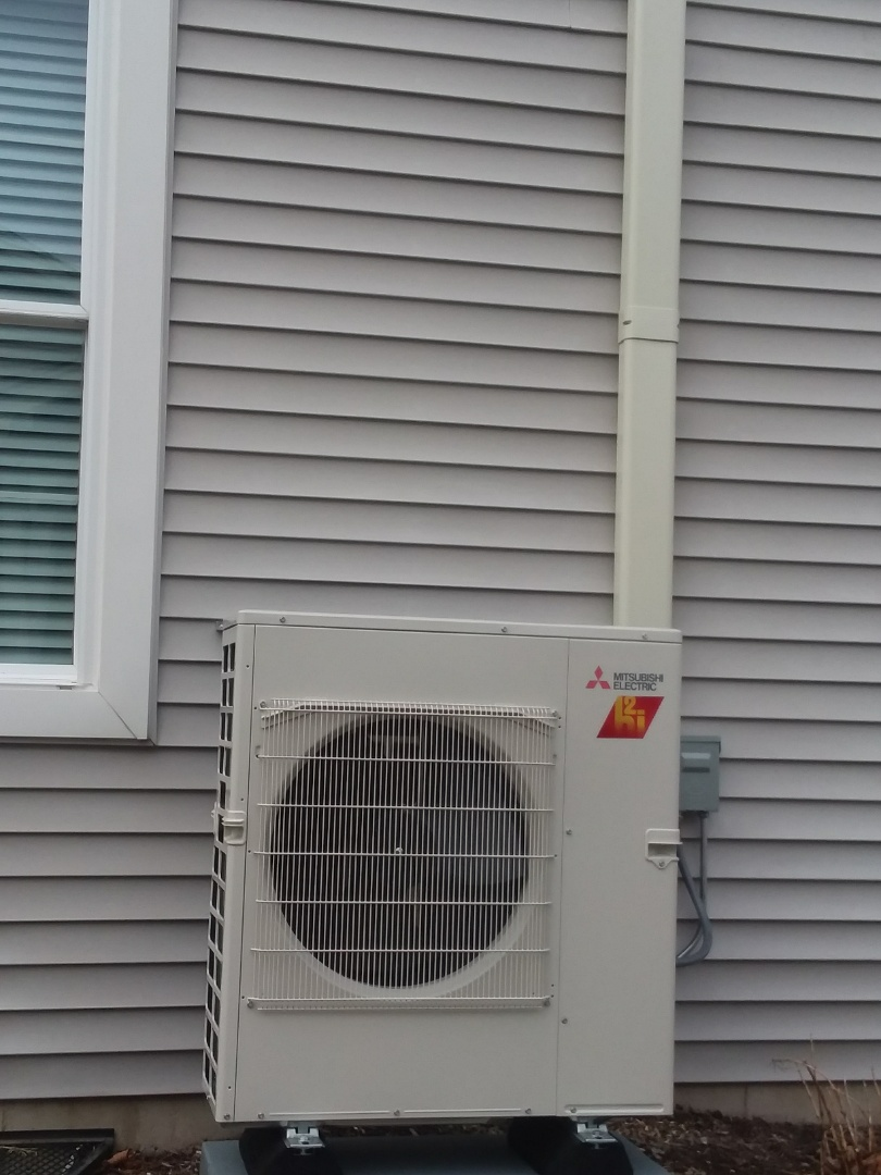 Crystal Lake, IL - Installing a 3 unit Mitsubishi system in a residential home in Crystal Lake