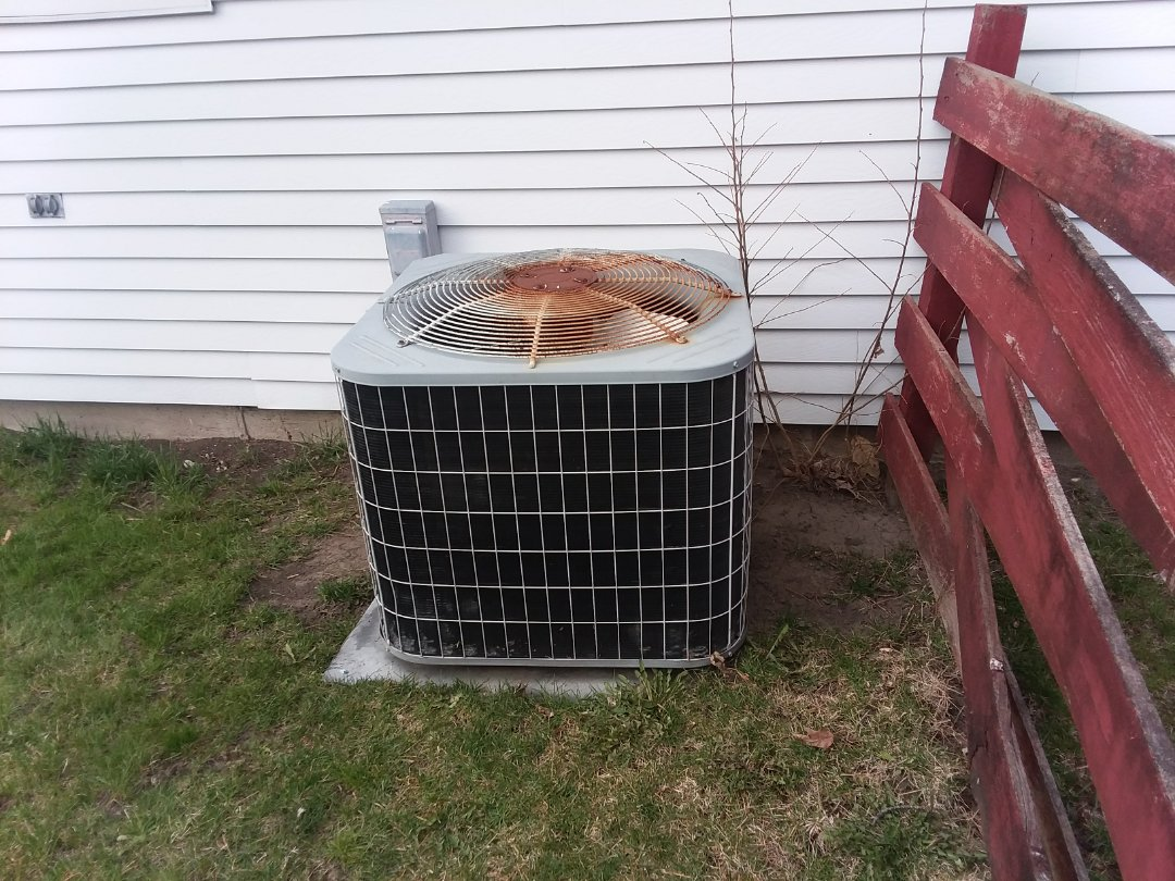 Mount Prospect, IL - Starting recommended manufacturer maintenance on Carrier air conditioning unit model 38BRC036330 near Mount Prospect