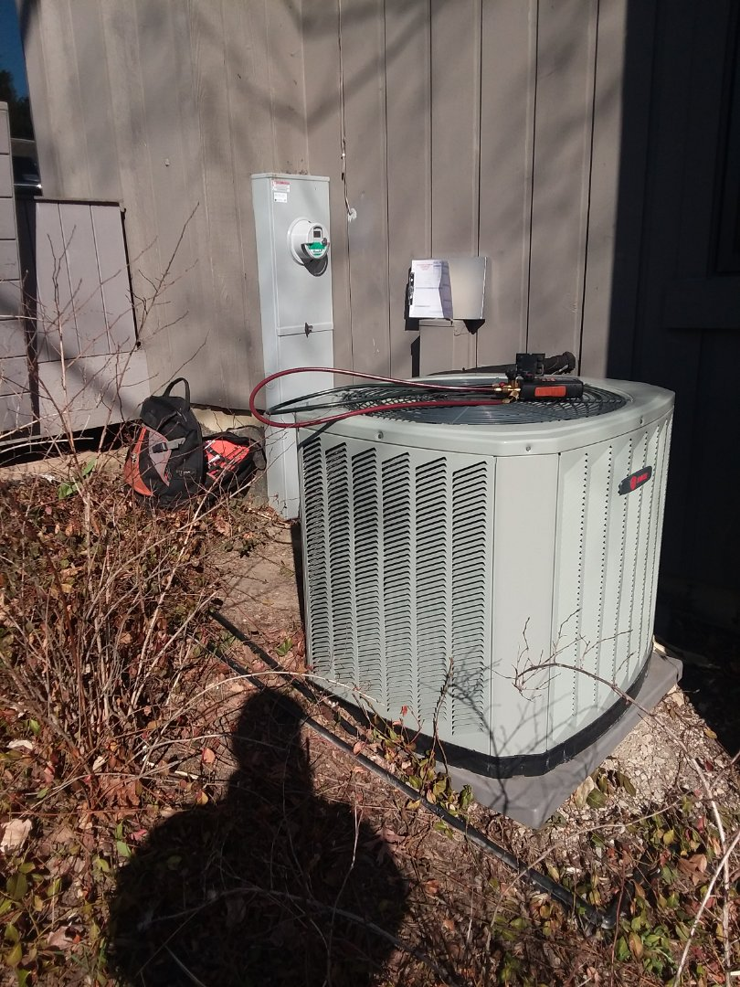Lake Barrington, IL - Starting recommended manufacturer maintenance on Trane air conditioner 2TTB3042A1000BA Lake Barrington near North Berrington Elementary School