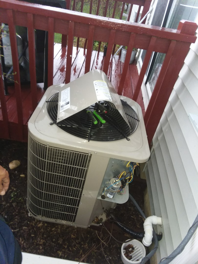 Hoffman Estates, IL - Starting diagnostic for no cooling  on Bryant Air Conditioner  Near Hoffman Estates IL