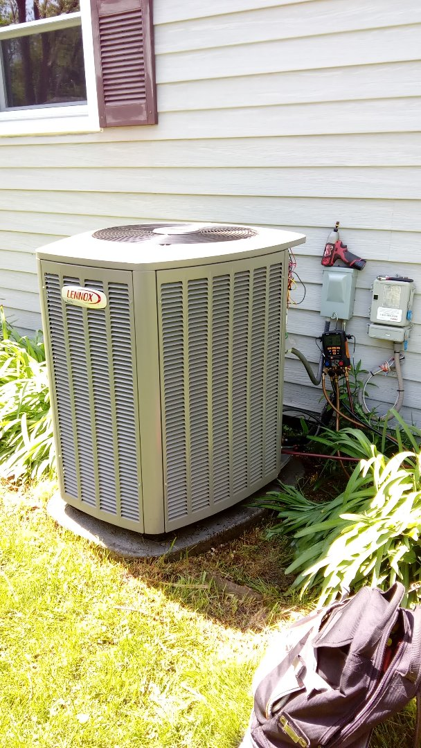 Rolling Meadows, IL - Starting manufacturer recommended annual maintenance on Lennox air conditioner XC14030230A09 Near BUSSE WOODS