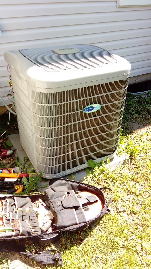 Elk Grove Village, IL - Starting diagnostic on Carrier Infinity series  Air Conditioner for not cooling properly, Near Elk Groove Village