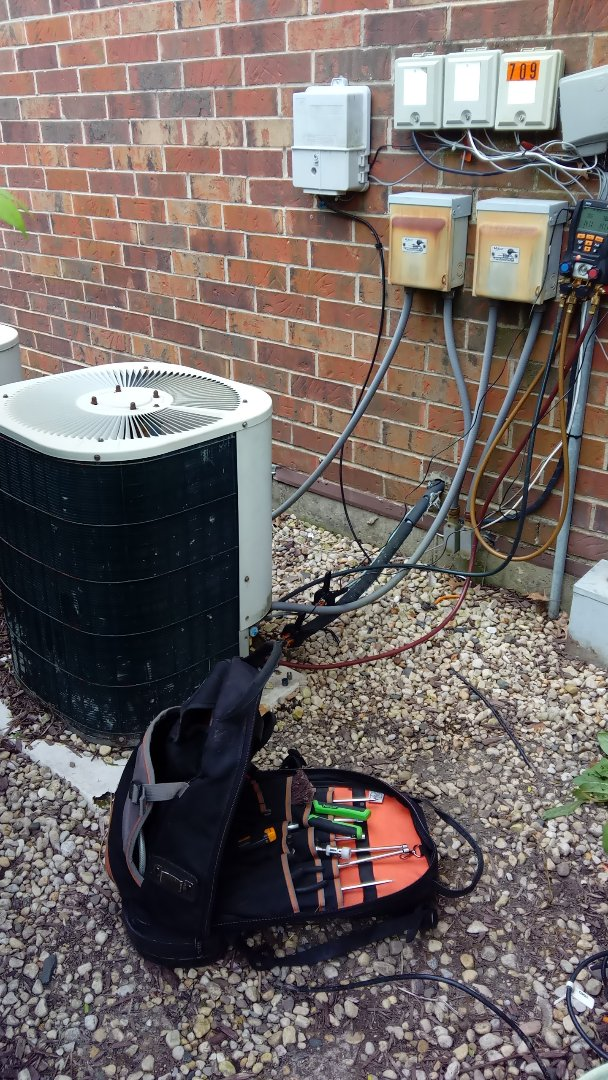 Palatine, IL - Starting diagnostic on BDP air conditioner that's not cooling properly