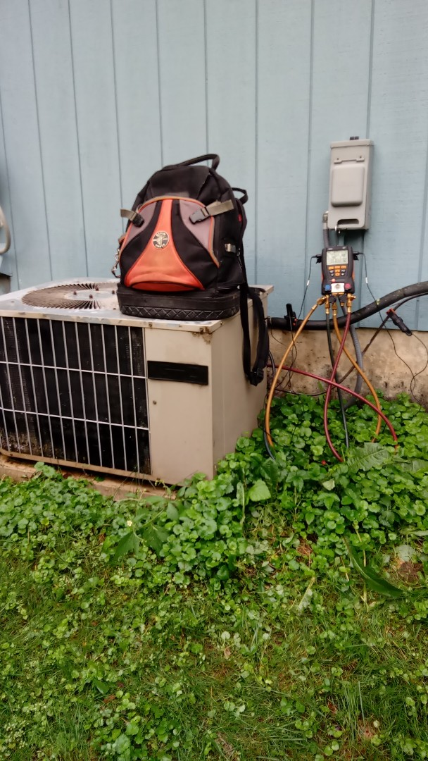 Fox River Grove, IL - Starting manufacturer recommended annual maintenance on 27 year old Goodman air conditioner