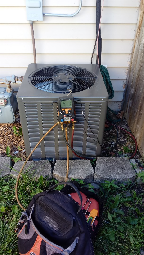Streamwood, IL - Sunday funday starting diagnostic on 3 year old Rheem air conditioner that's not cooling properly