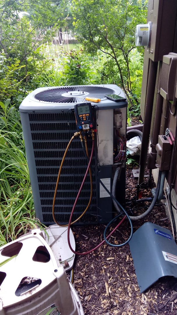 Palatine, IL - Starting manufacturer recommended annual maintenance on 10  year old Goodman air conditioner