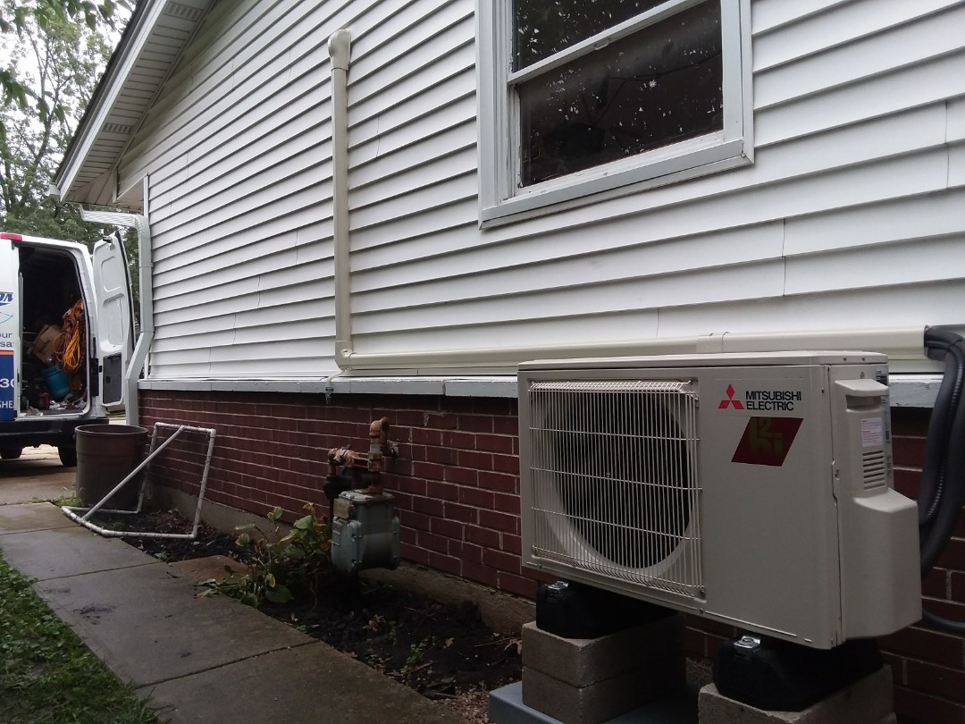 Elk Grove Village, IL - Installing a new Mitsubishi system in a garage